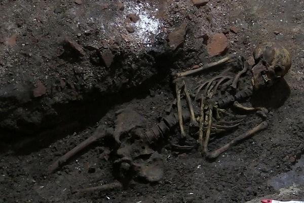 археологические раскопки,найден скелет 17 века,Гороховец.Благовещенский собор,