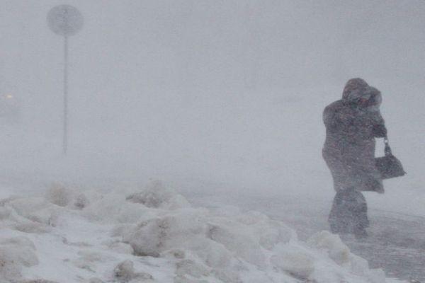 Штормовое предупреждение: регион ночью накроет снежный буран