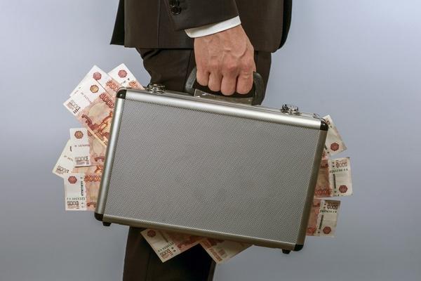 Стали известны новые зарплаты чиновников