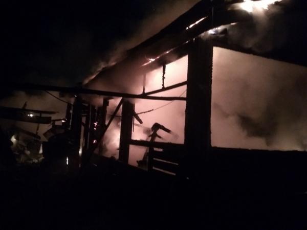 Пожар в жилом доме тушили 9 человек