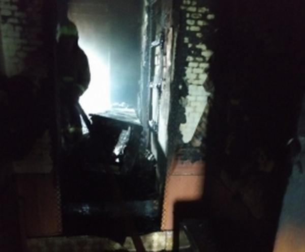 Пожар в частном доме тушили 9 человек