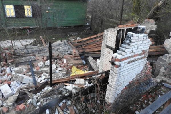 Обрушившаяся кирпичная стена насмерть придавила 6-летнюю девочку