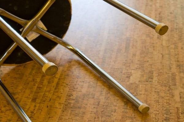Гости избили до смерти хозяина квартиры, нанося ему удары ногами и табуретом