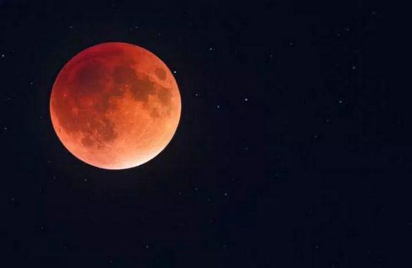 В ночь с 27 на 28 июня 2018 года великое противостояние Марса и полное лунное затмение