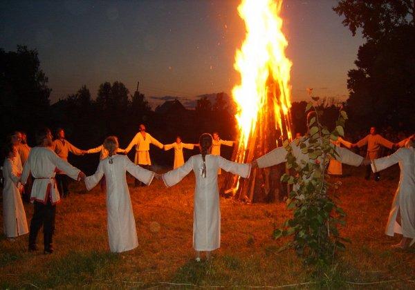 7 июля — праздник Иван Купала: гадания, традиции. Что нужно обязательно сделать?