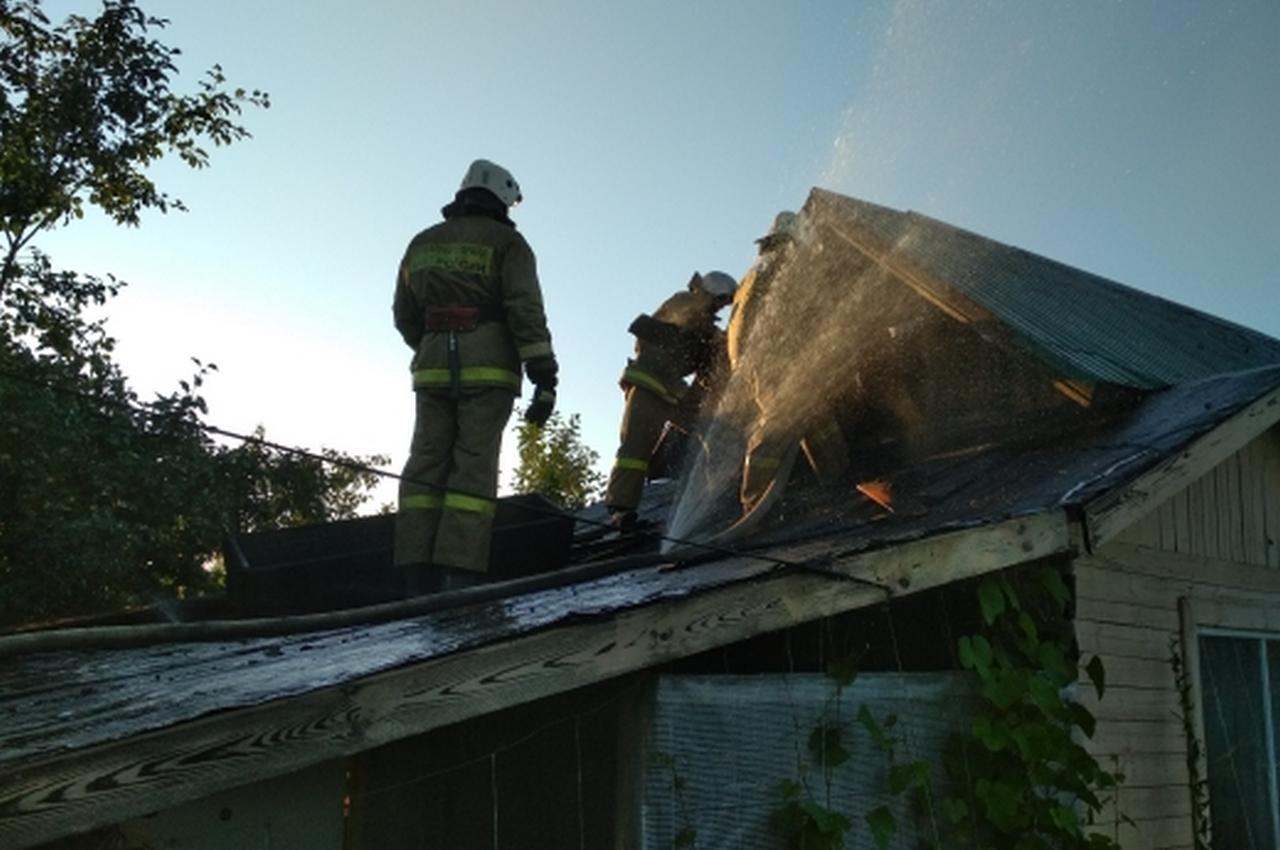 Пожар в частной бане тушили 8 человек