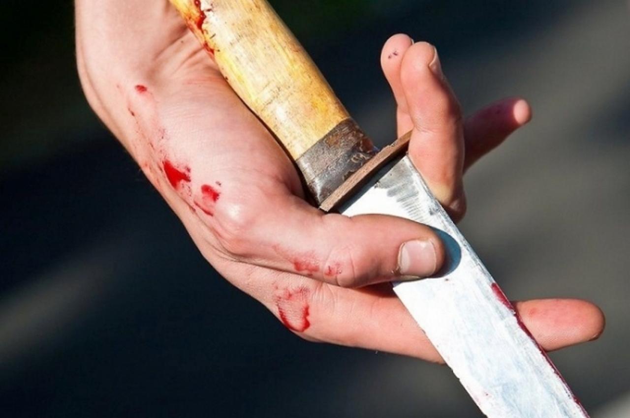 Убил двух пенсионеров на улице, зашел в кафе и попросил вызвать полицию и скорую