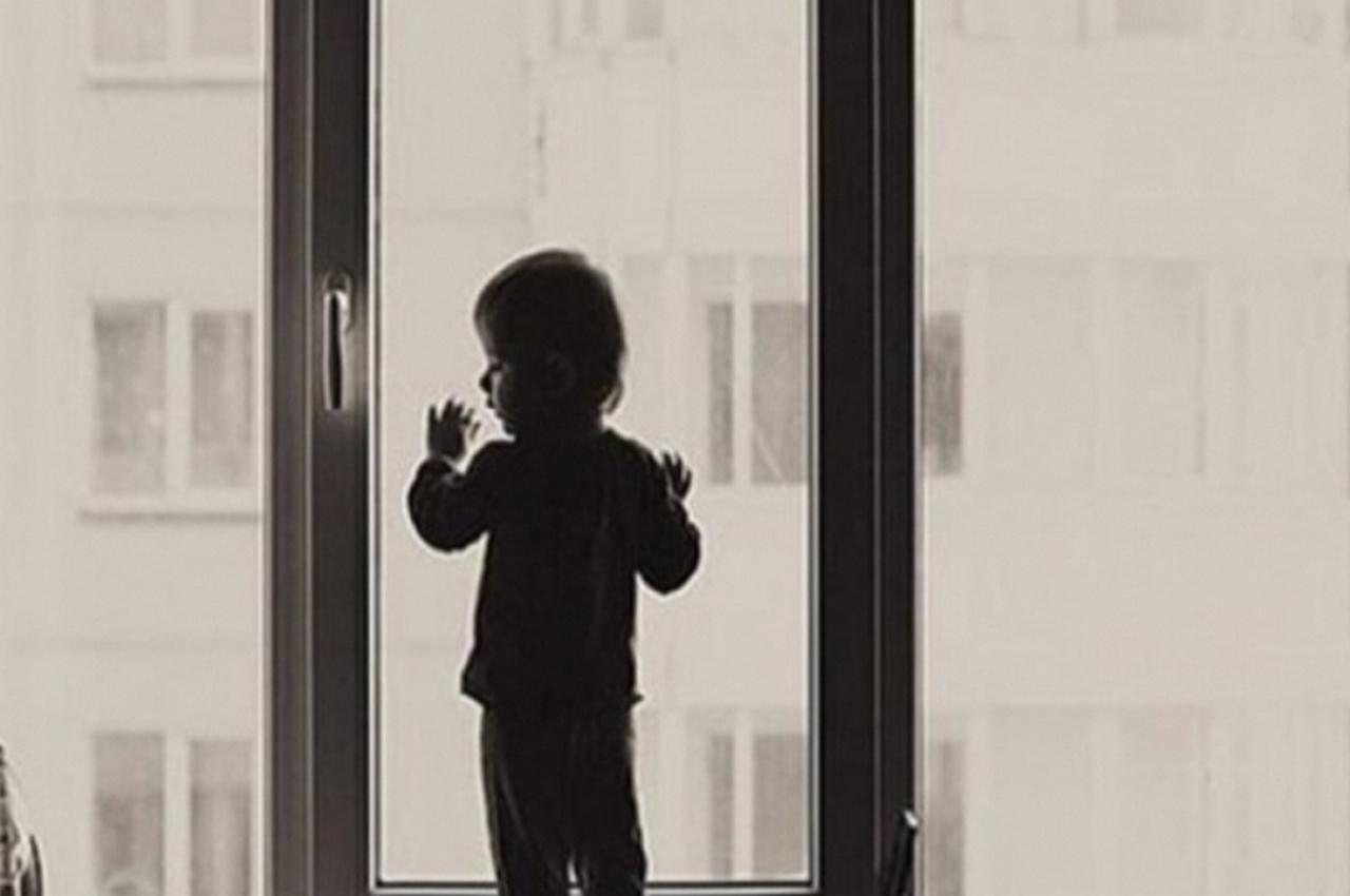 Трёхлетний малыш выпал из окна