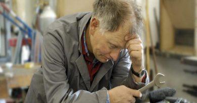 работающий пенсионер,размер выплат работающим пенсионерам,