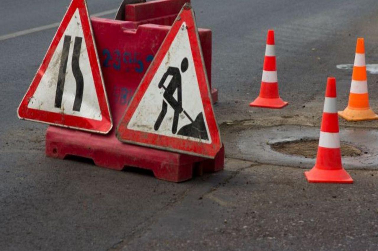 Смертельное ДТП на трассе: большегруз сбил дорожного рабочего
