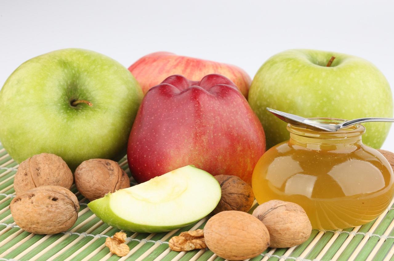 Какого числа будет медовый, яблочный и ореховый спас в 2018 году?