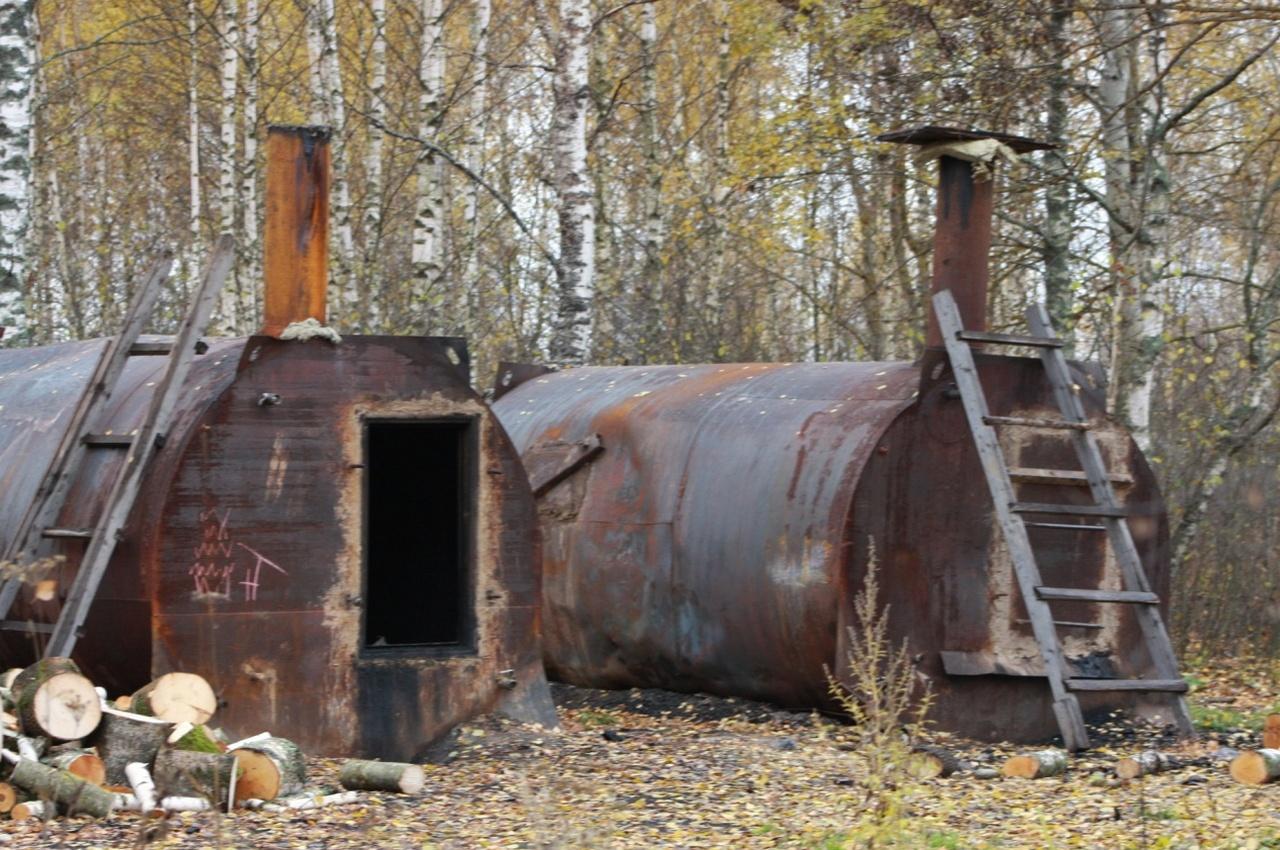 На производстве древесного угля трудились депортированные из РФ иностранцы