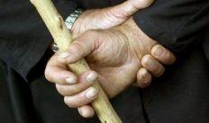 88-летнему пенсионера осудили за избиение 73-летнего знакомого
