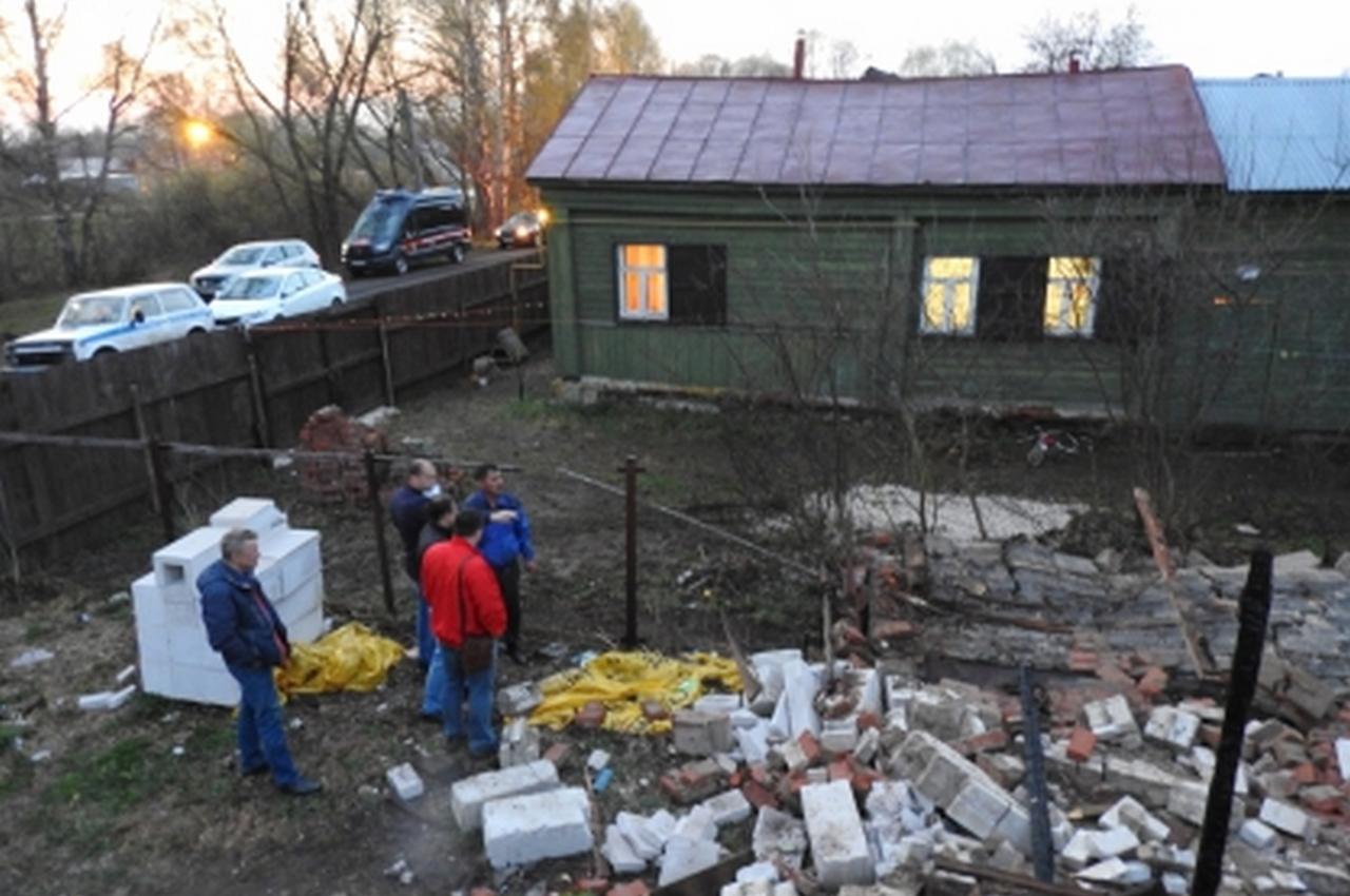 6-летняя девочка погибла в результате обрушения ветхой стены гаража