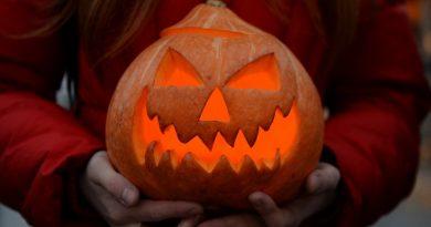 halloween,Хэллоуин,тыква в руках,Джек-фонарь
