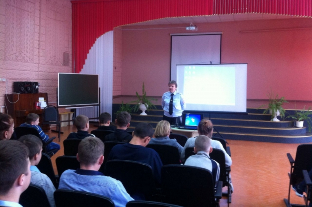 Полицейские в Вязниках провели профилактическую беседу со школьниками