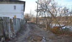 В Гороховце набережную удержат бетонные сваи