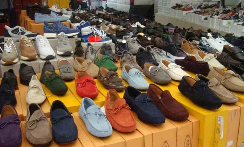 обувь,обувь на рынке,