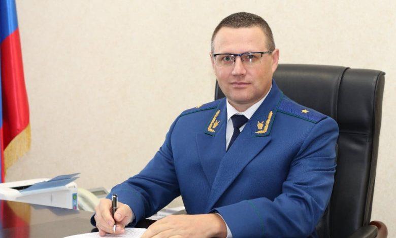 прокурор Хлустиков Николай Николаевич,