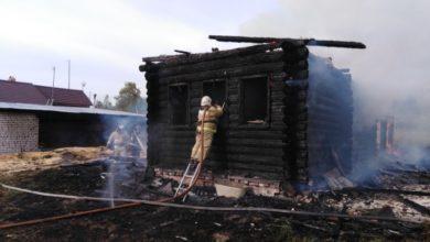 Photo of Пожар в деревне тушили 10 человек