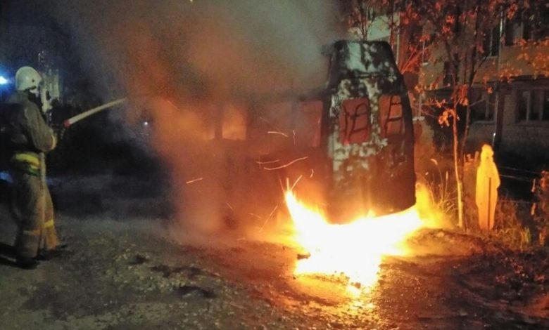 Вязники сгорел микроавтобус,
