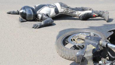 Photo of Мотоциклист судится с полицейскими, которые сбили его на дороге