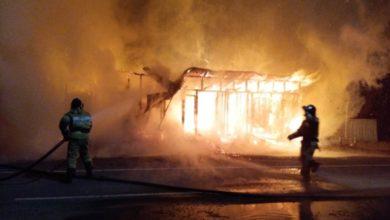 Photo of Сгорели два магазина возле администрации