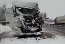 Photo of На трассе фура врезалась в «Камаз» дорожников, имеется пострадавший