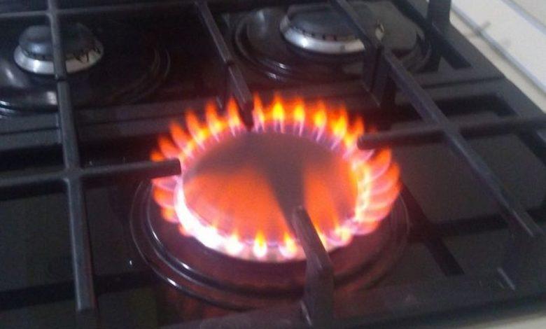 газ,газовая плита,красное пламя газовой плиты,