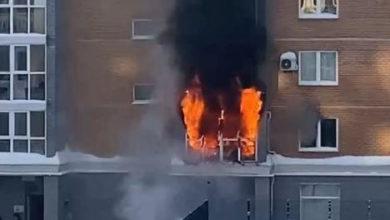 Photo of Женщина с двумя детьми выпрыгнула из окна горящей квартиры в многоэтажке