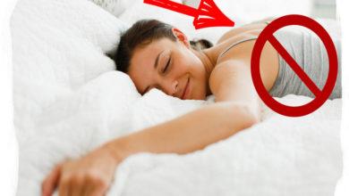 Photo of Почему нельзя спать на животе