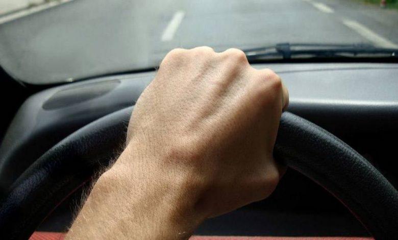 за рулем,рука на руле,
