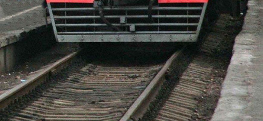 погиб под поездом, попал под поезд, попал под электричку, погиб под колесами электрички, погиб под колесами поезда, трагедия на железной дороге, поезд, железная дорога, погиб на железной дороге,