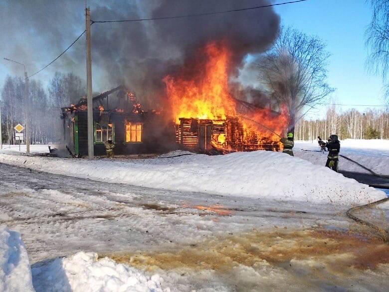 пожар Бурино библиотека Вязниковский район март 2021 года